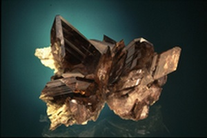 mineral axinite oisans